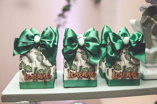 Adorable Gift Ideas For The Fantabulous Celebrations