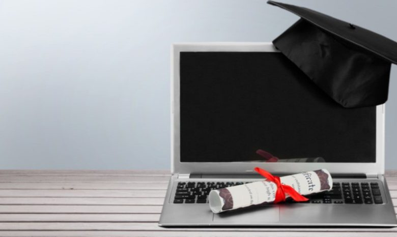 Staying Motivated While Getting an Online Degree